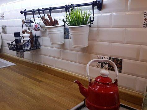 Hatice hanımın hatırası olan eşyalarla şekillenen, harika evi.. #kitchenremodelsmall