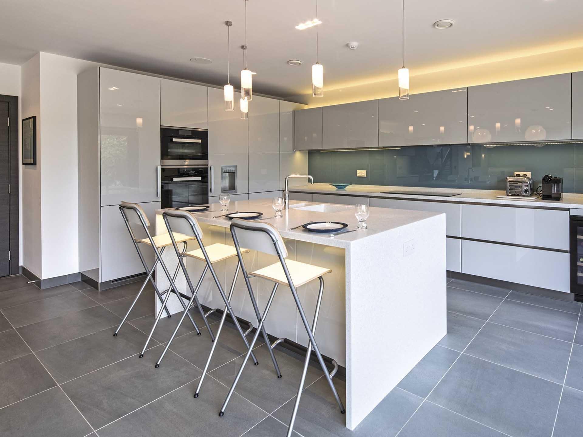 Küche im Individuell geplantes WeberHaus von WeberHaus • Mit ...