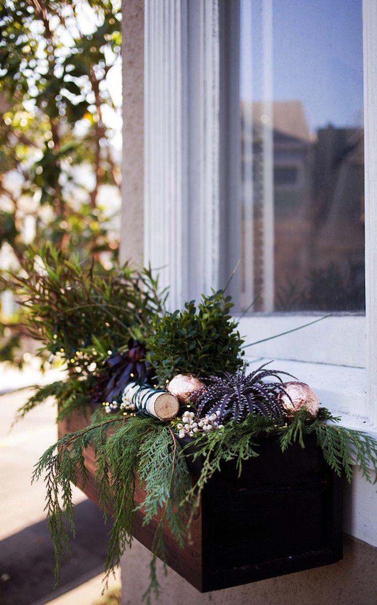 Blumenkasten Weihnachtlich Dekorieren blumenkasten weihnachtlich dekorieren fenster modern birke