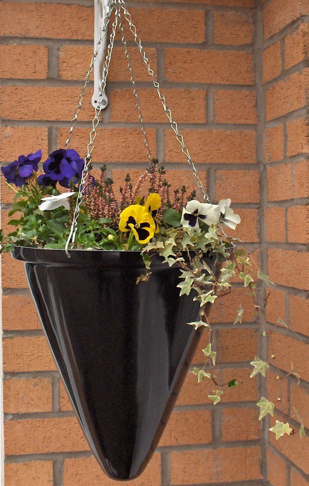 Ingarden Fibreglass Hanging Baskets. Modern, Fibreglass Conical Shaped Planters With Chain-Silver