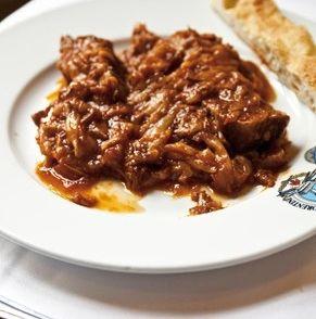 gestoofd rundvlees met uien
