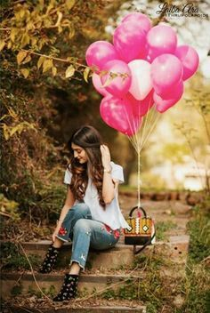 Pin By Rubab Javaid On Neha Kakkar Girl Photo Poses Girly Pictures Balloons Photography