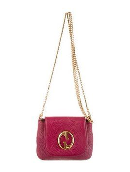 7050dfce09d Get the trendiest Cross Body Bag of the season! The Gucci