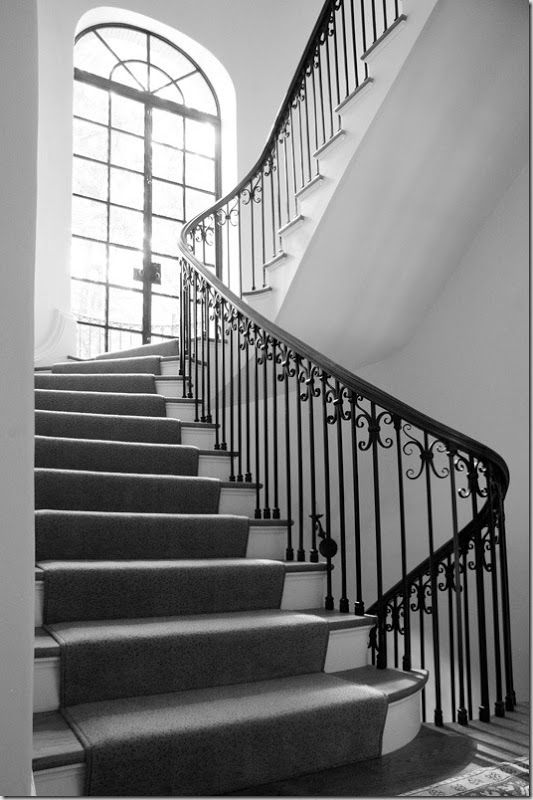 Best Curve Of The Stairs Landing Part Way Up French Doors 640 x 480