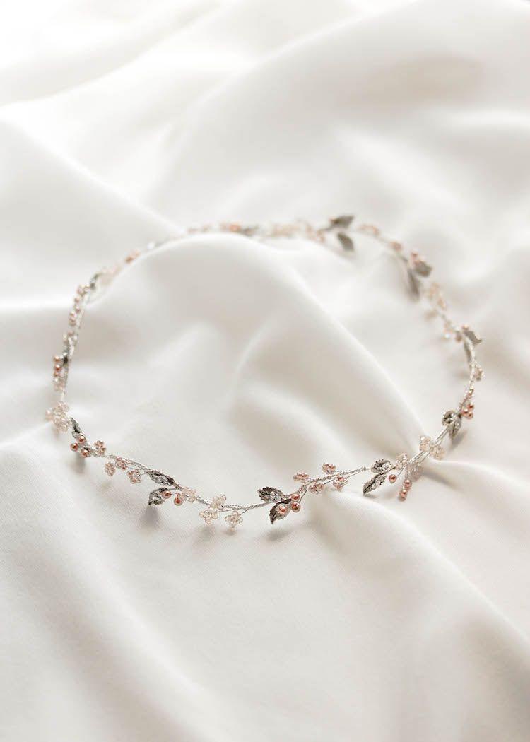 Intricate Antiquity | A silver and rose gold weddi