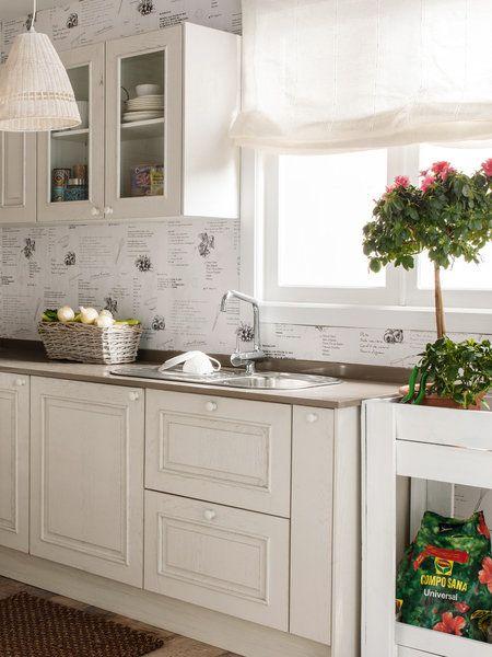 Fregaderos delante de la ventana | Fregaderos, Colores blancos y Ventana