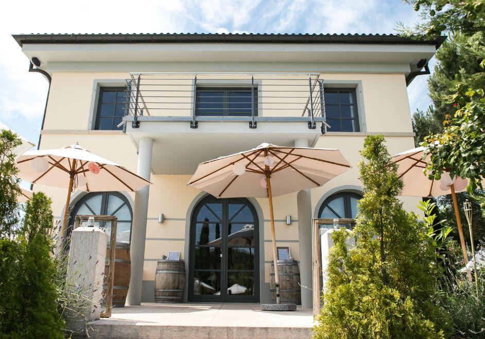 Toskanische Villa Im Weingut Mussler Hochzeitslocation Weingut Mussler Bissersheim In Der Pfalz Weingut Pfalz Hochzeitslocation Weingut