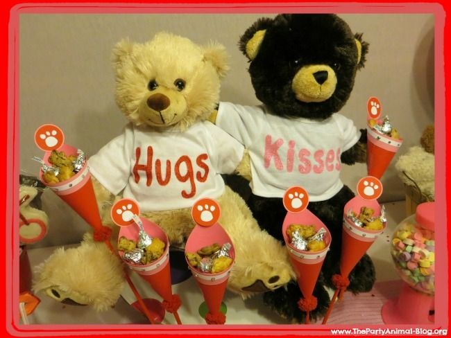 Bear-Hugs-and-Kisses-Valentines-Day-Party-Theme.jpg (650×488)