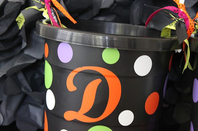 Easy Personalized Trick or Treat Halloween Buckets