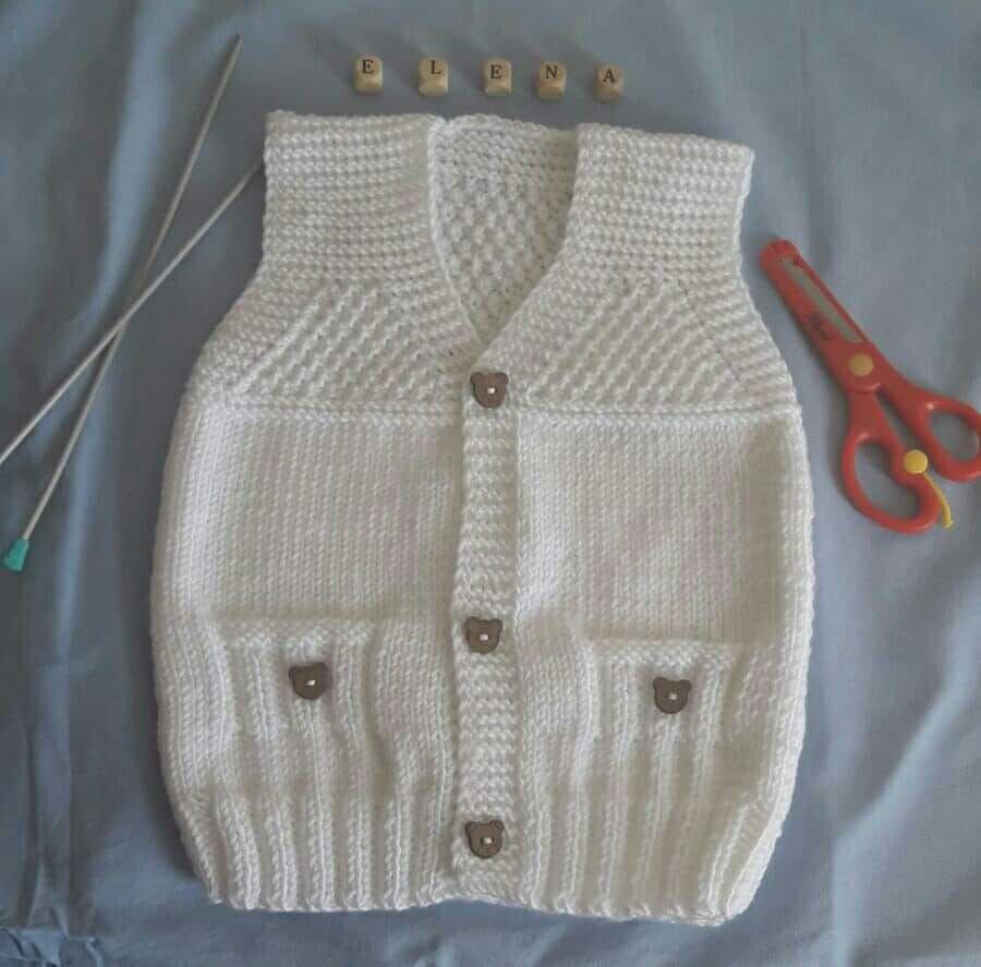 Pirinc Ornekli Sahte Cep Suslemeli Yaka Ve Kol Kesimi Kolay Cocuk Yelegi Yapimi 1 Yas Bebek Gomlekleri Baby Outfits Bebek Yelek