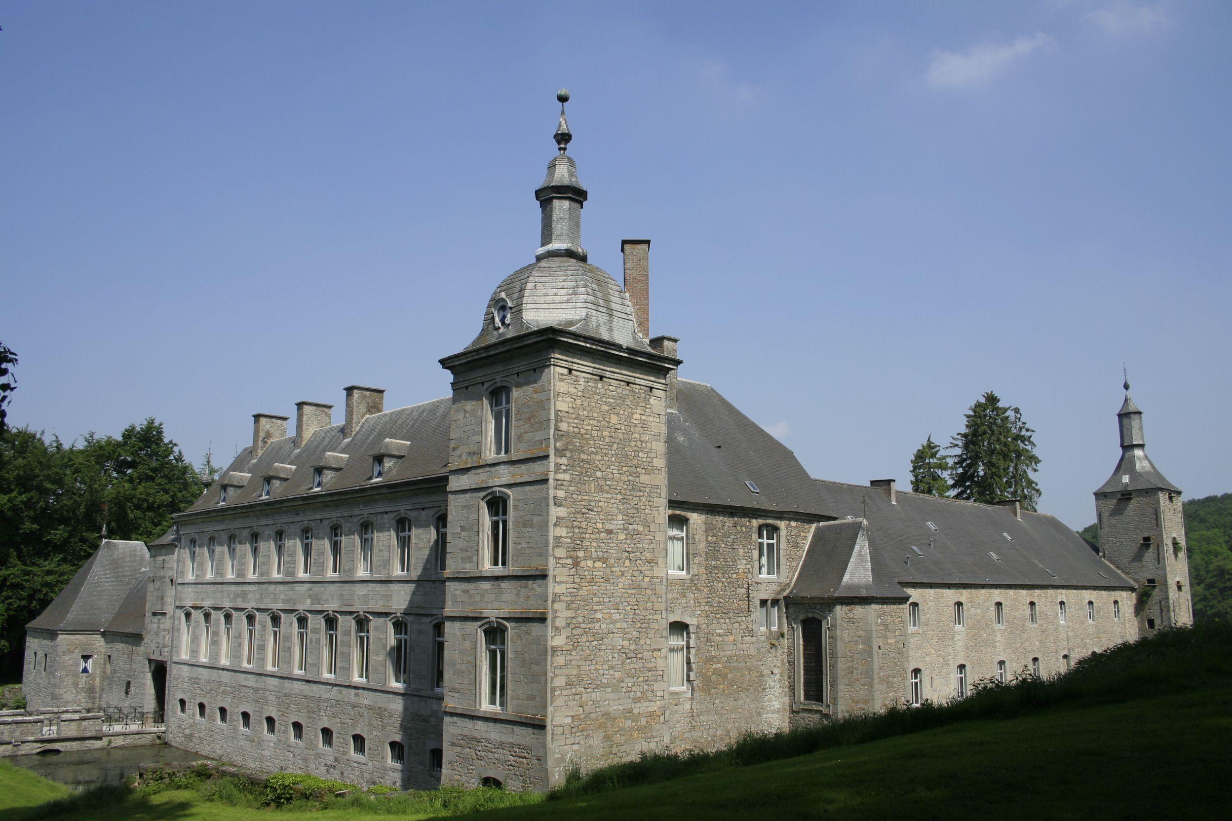 Château d\'Acoz, Gerpinnes, Belgique. Le château, à l\'origine ...