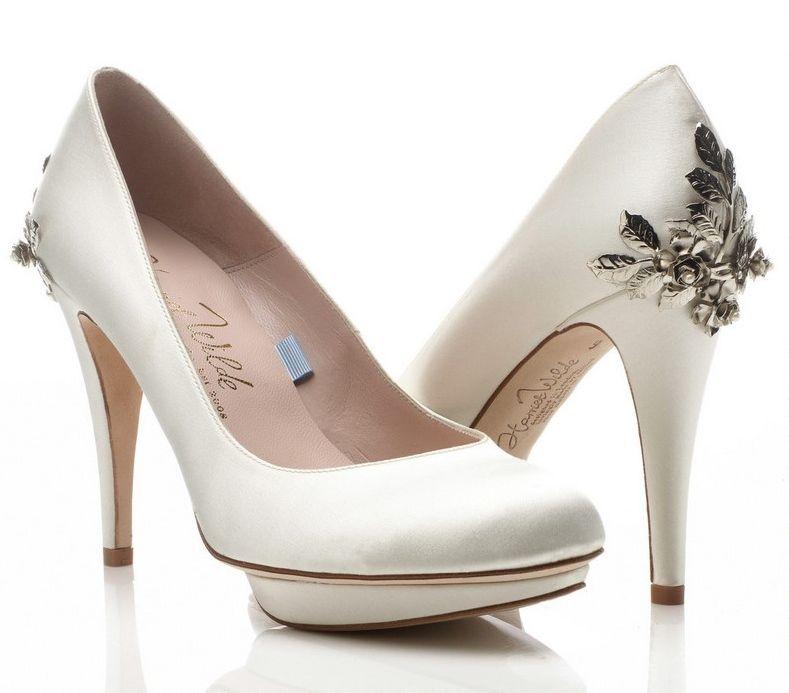 Romántico detalle floral en el tacón de estos zapatos para novias de Harriet Wilde | Déjate seducir por los zapatos para novia 2015