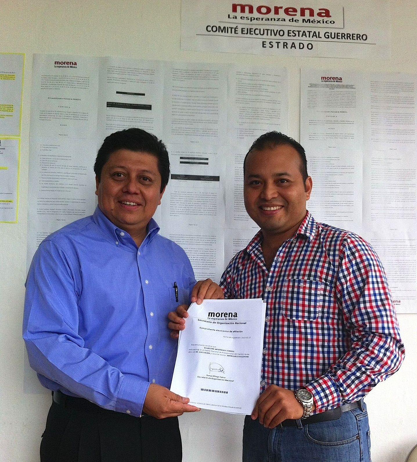 Silvestre Arizmendi se registró por el distrito nueve - http://notimundo.com.mx/estados/silvestre-arizmendi-se-registro-por-el-distrito-nueve/29238