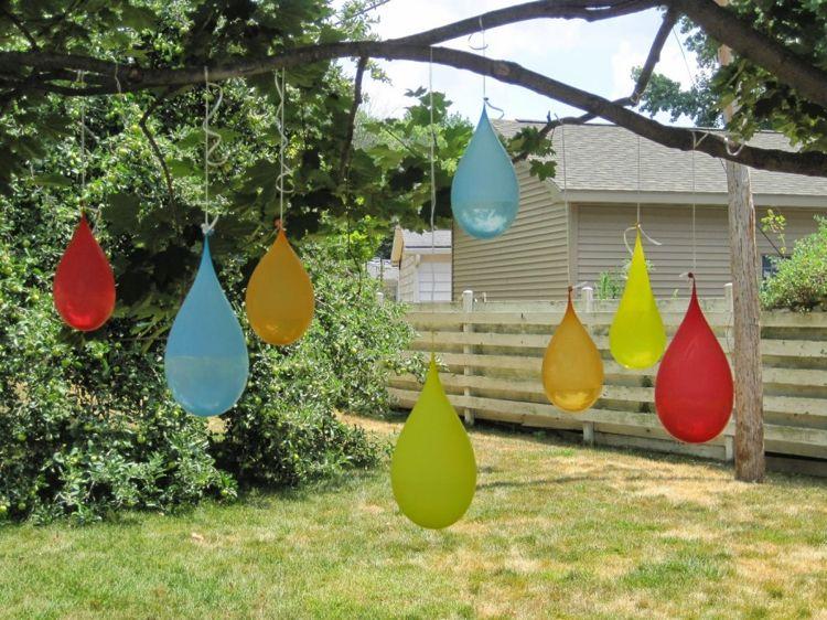 Spielecke Garten Kinder Gestalten Wasserspiele Ballons Schiessen