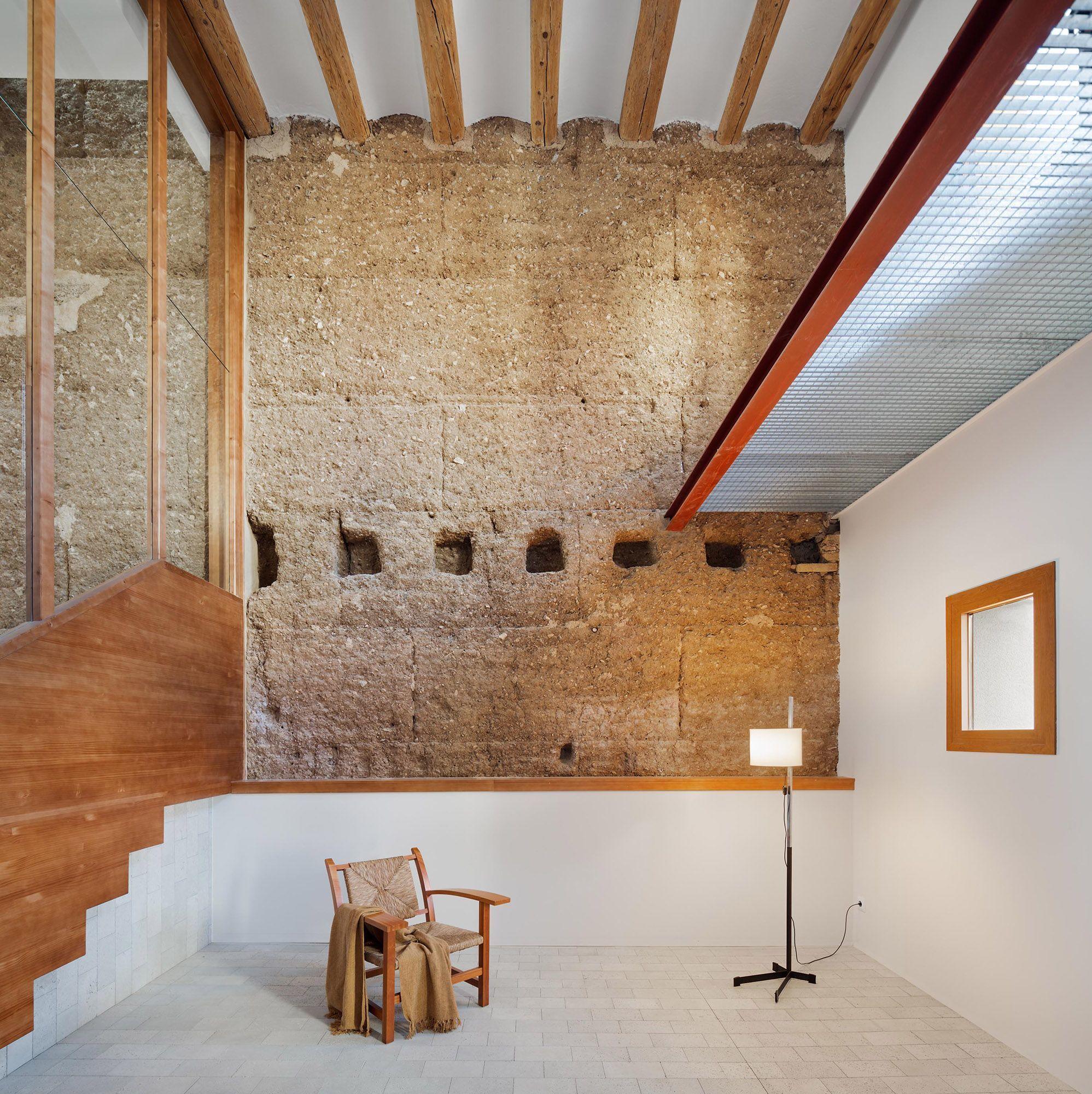 Hiha Studio Has Designed A Home That Embraces Catalonia S Past