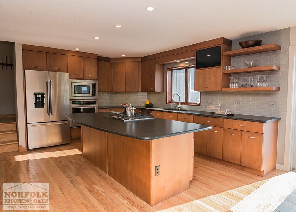 This Showplace Contemporary Kitchen Remodel Was Designed By John From Our Nashua Showroom This Kitch Contemporary Kitchen Remodel Kitchen Contemporary Kitchen