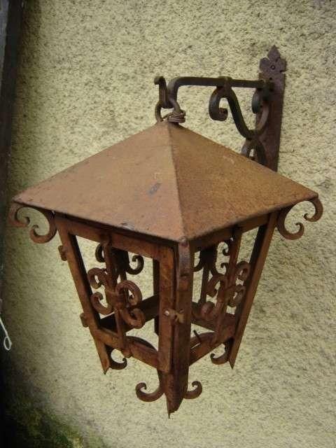 Faroles en fierro forjado fierro y madera herrer a for Faroles en hierro forjado para jardin