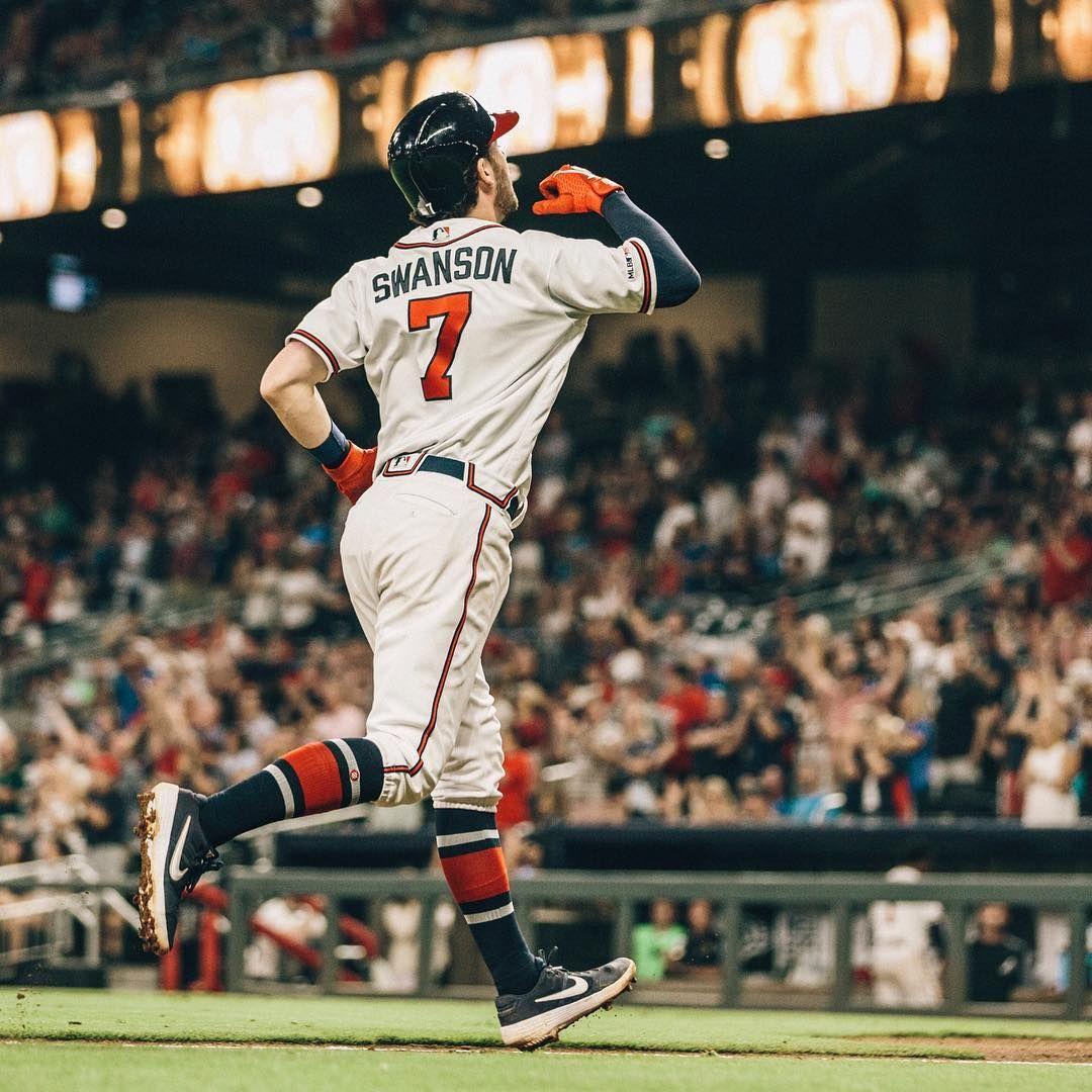 Atlanta Braves On Instagram Dansby Delivers Atlanta Braves Braves Dansby Swanson
