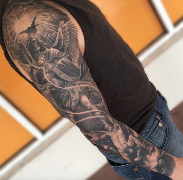 Amazing Black And Gray Arm Tattoo Inkstylemag Sleeve Tattoos Best Sleeve Tattoos Tattoo Sleeve Men