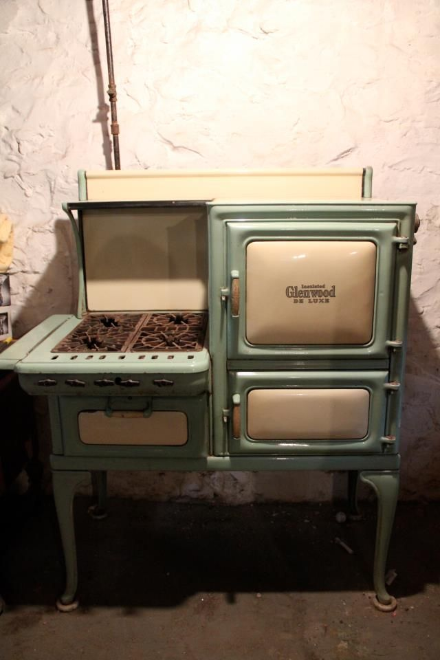 My Parents Are Selling This 1924 Insulated Glenwood De Luxe Stove
