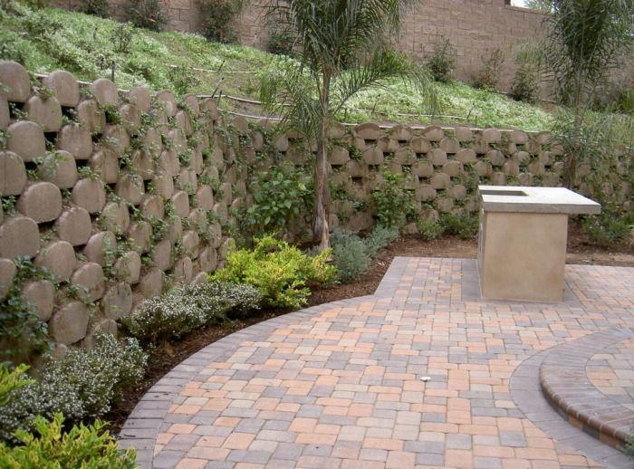 Keystone Retaining Wall Blocks With Planting Pockets Geosynthetic Soil Reinforcement Fabric Having Integr Walkway Design Retaining Wall Blocks Retaining Wall