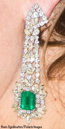 Diamond and emerald earrings worn to University of Saint Andrews gala at the Met Dec 9 2014