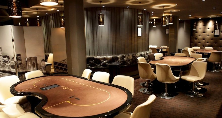 Does paris casino have a poker room crap fi delay layout