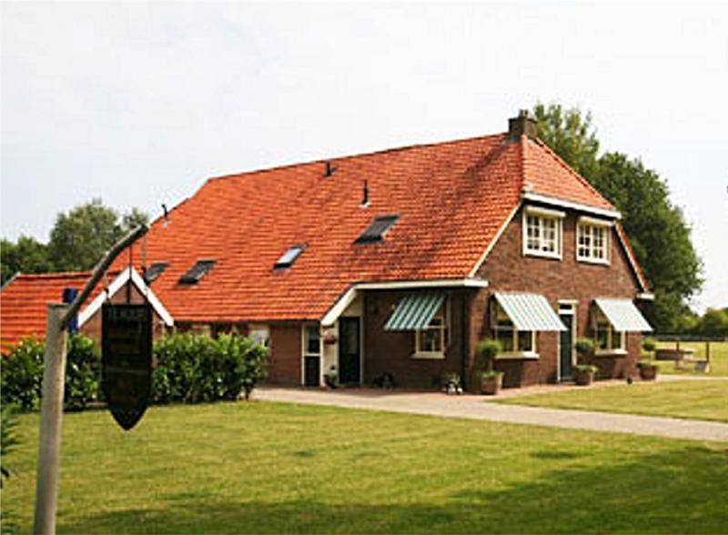 Garage Boer Diever : Groepsaccommodatie het kasteel te diever staat te koop diever