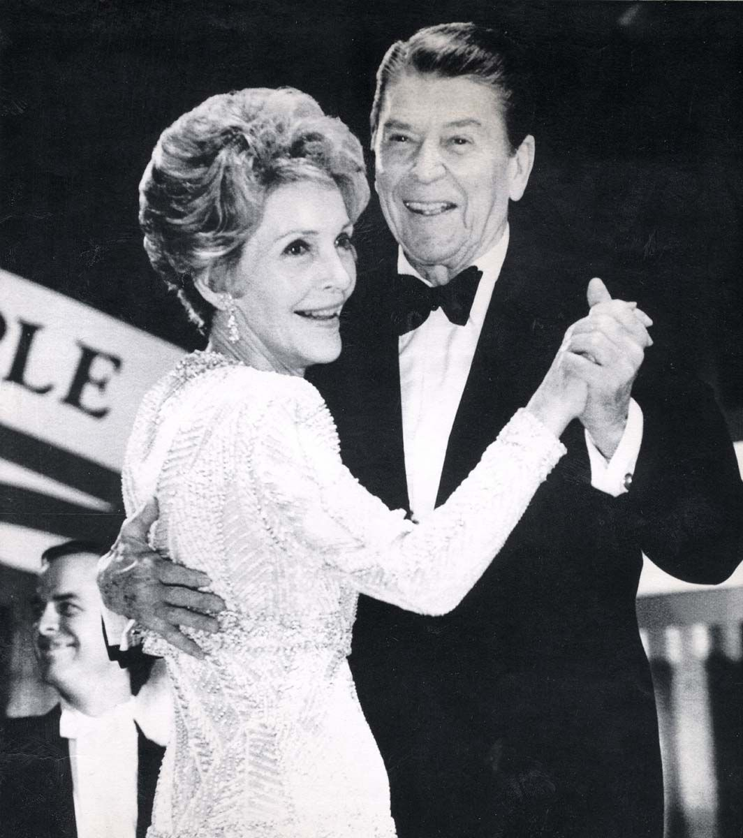 ronald reagan inauguration president reagan and mrs reagan have ronald reagan inauguration president reagan and mrs reagan have the first dance at the
