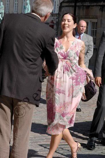 Princess Mary of Denmark (January 2005 - February 2010) - Page 10 - the Fashion Spot