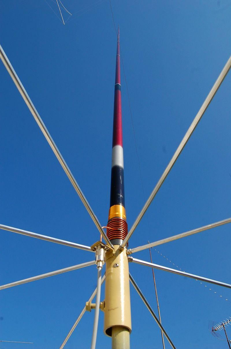 Homebrew HF Vertical Antennas   Survival   Ham radio antenna, Hf