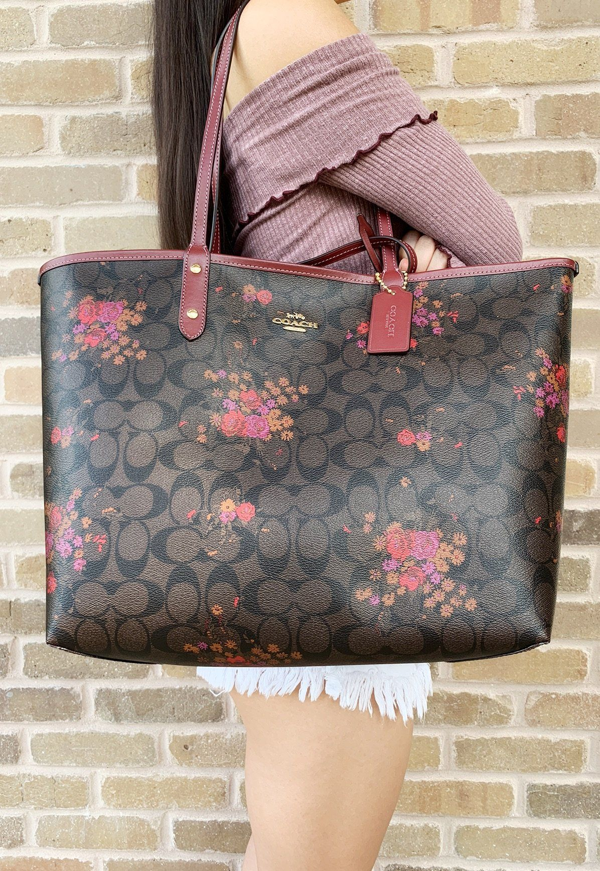 Coach F36658 Reversible City Tote Signature Brown Red Floral  ebayseller   Poshmark  toprated   982402cdb1