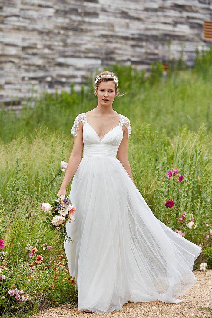 Siodam Brautmode In Frankfurt Am Main White Wedding Pinterest