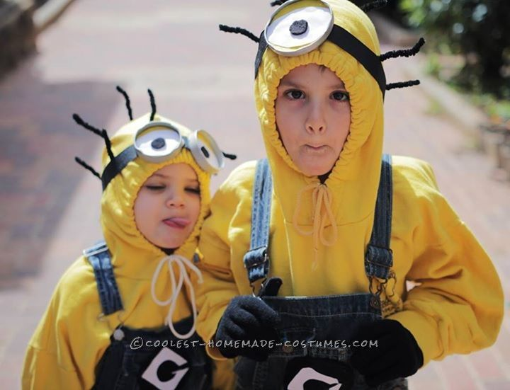 Awesome Homemade Despicable Me 2 Family Costume Costumes, Family - halloween homemade costume ideas