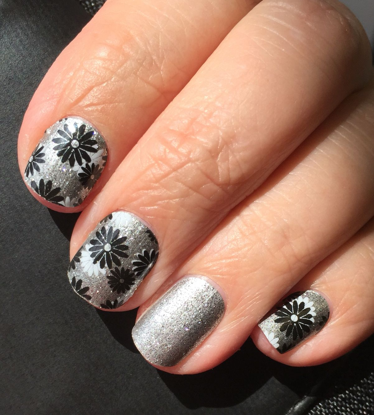 Loving my newest Jamberry wraps! They are Flapper and Diamond Dust ...