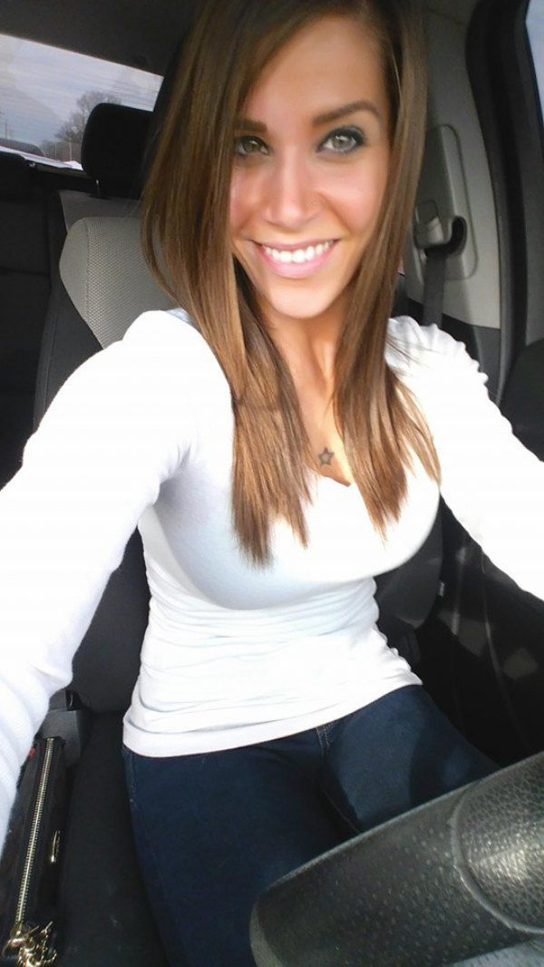 10caccd661e (2) Beautiful FLBP girls make Mondays the best day   theCHIVE