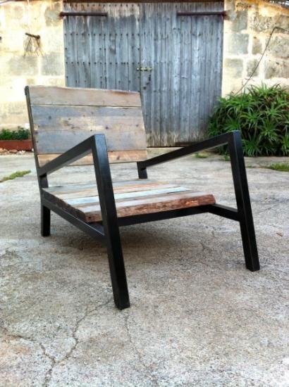 Sill n bonaparte de hierro y madera reciclada hierro for Sillones de madera reciclada