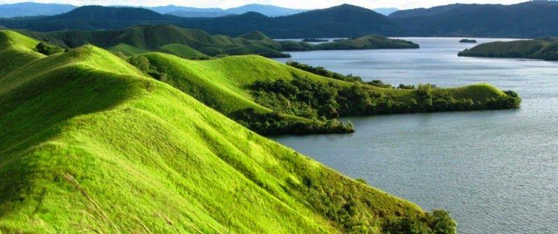 danau sentani ialah salah satu danau terbaik yang ada di indonesia letak geografis ini