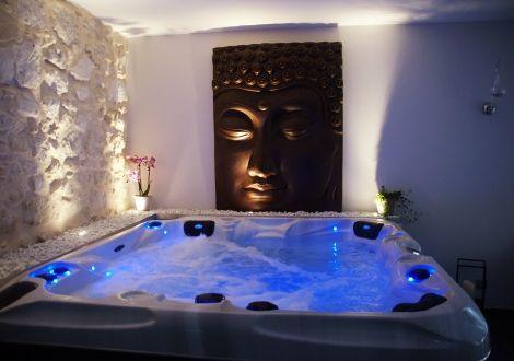 Chambre romantique pour deux jacuzzi et sauna, Bourg St ...
