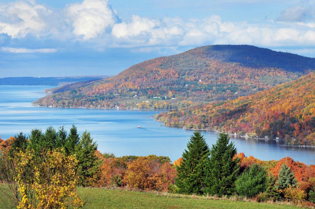 6 Spectacular Spots for Fall Foliage   Log Home Travel