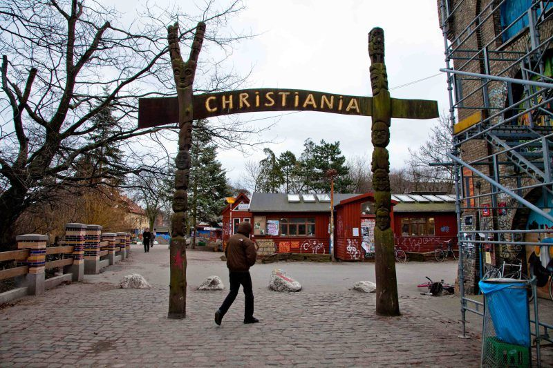 christiana, gate for wonder.