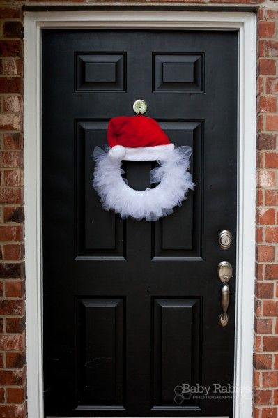 Make a Tulle Santa Wreath