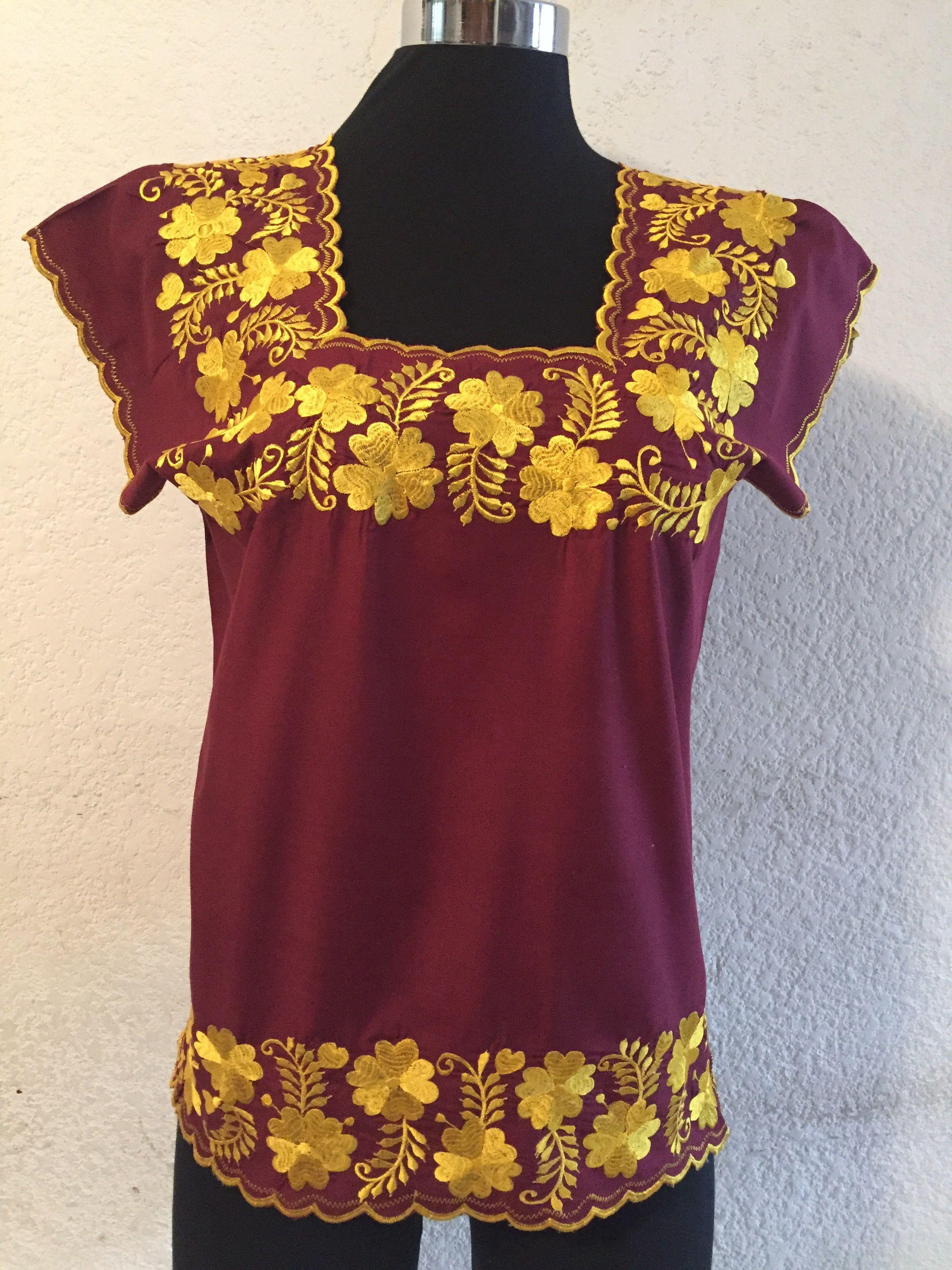5e04053cb La blusa ideal para ti está en Un Rincón Yucateco boutique. Contáctanos  55-40491374