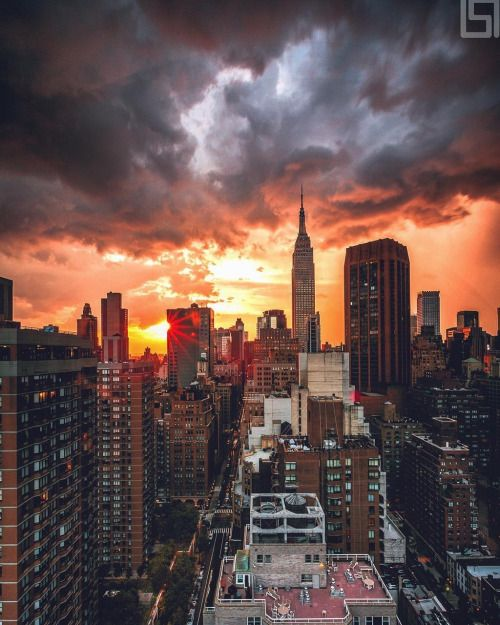 Gorgeous View Of New York City By Paul Seibert Photography New York Sunset New York City Sunset City