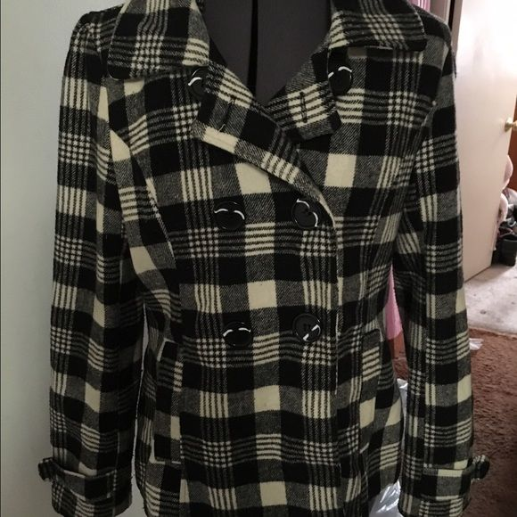 Black & White Plaid Short Pea Coat Adorable black and white plaid pea coat. Hits about hip length. Missing the buttons on the bottom of the sleeves but looks fine in my opinion without them(shown in pic). Other than that it's in perfect condition. Worn for one season(now too small for me), Jackets & Coats Pea Coats