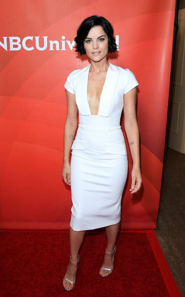 Jaimie Alexander opted for sleek and simple lines with this Cushnie et Ochs LWD, but that plunging neckline definitely added major allure! Brand: Cushnie et Ochs