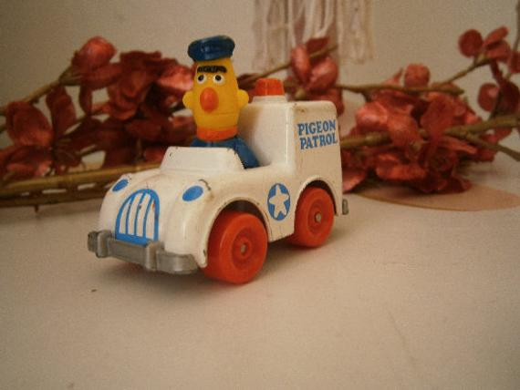 SESAME STREET BIG BIRD METAL Die Cast CAR 1981 1983 MUPPETS PLAYSKOOL INC