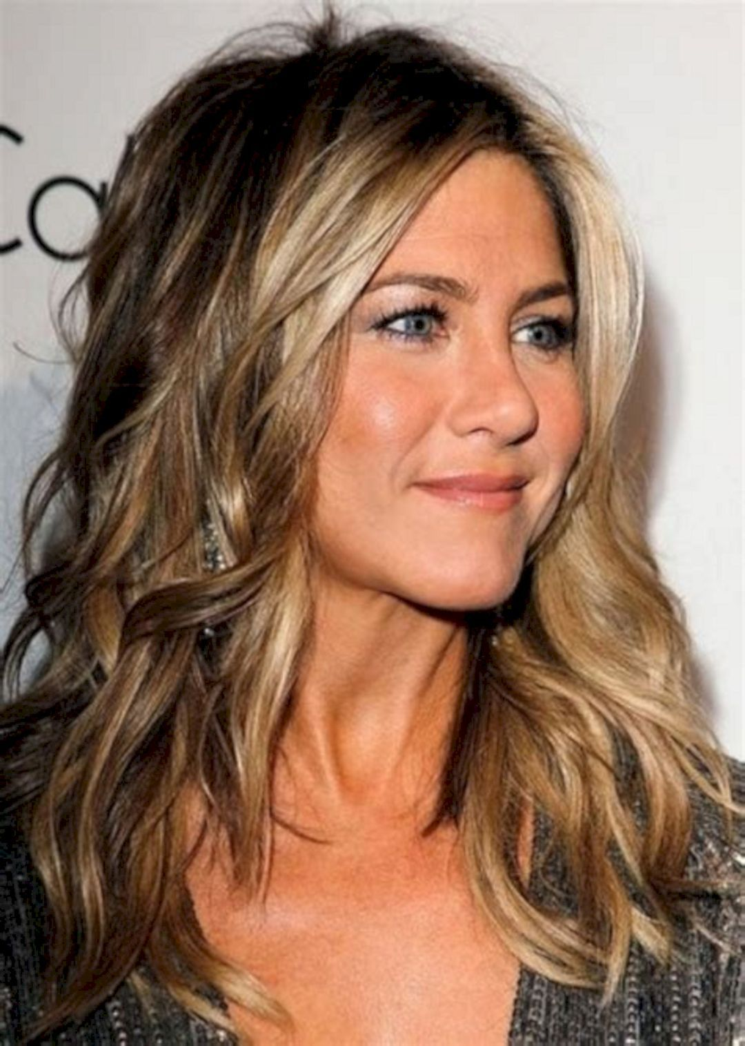 Trend 2018 25 Beautiful Brown Hair Color Ideas For Valentines Jennifer Aniston Hair Color Long Hair Color Popular Hair Color