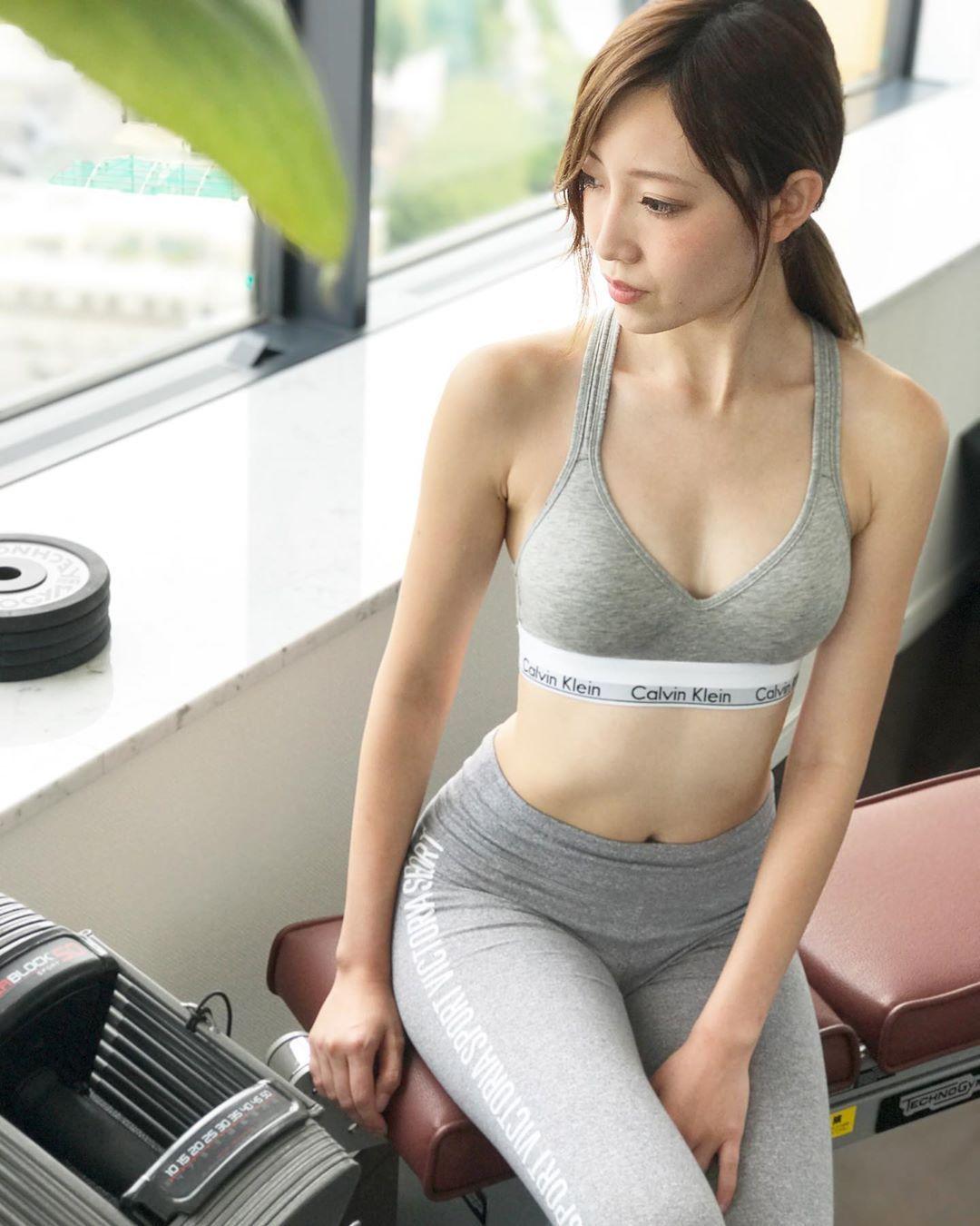 """綺麗に痩せたいならナイアジム】 on Instagram: """"短期集中ダイエットならナイアジム . . . . #fit #fitness  #fitnessgirl #workout #workoutmotivation #gym #ジム #ダイエット #筋トレ #gymgir…    ダイエット, 腹筋 女子, ファッション"""