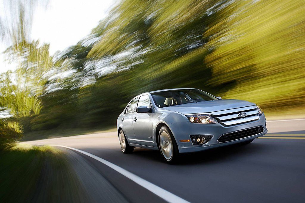 2011 Ford Fusion Hybrid Review, Specs, Pictures, Price